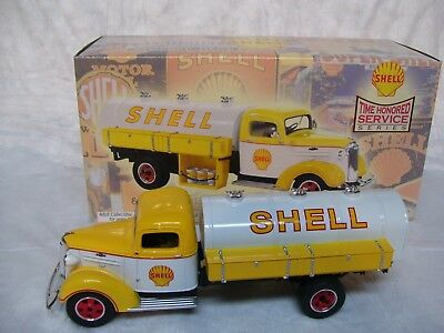 Shell Gas Oil First Gear 37 Chevy  Die-Cast 30's Style Tanker Truck 1:34 Scale