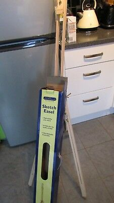 BOLDMERE Wooden Sketch Easel - adjustable *un-used in box*