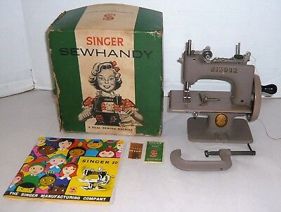 Vintage Singer Sewhandy Child's Sewing Machine W/clamp,needles,manual & Box