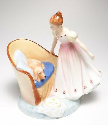 """Royal Doulton """"Beat You To It"""" HN 2871 Figurine"""