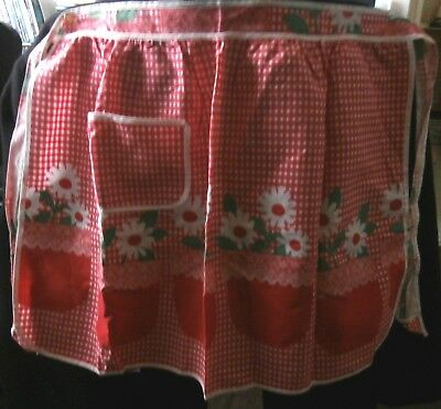 RED & WHITE with DAISIES HALF APRON - RETRO 1950s-1960s VINTAGE - NEW LOOK!