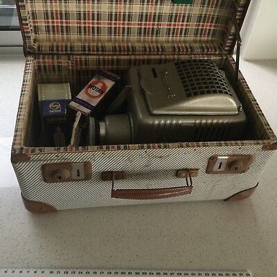 Slide Projector In Case - Antique  - Paximat - Braun Nurnberg - West Germany