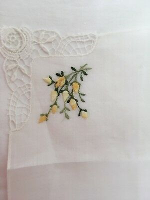 VINTAGE 50s SWISS COTTON EMBROIDERED YELLOW FLOWER & LACE HANDKERCHIEF New