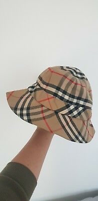 Burberry vintage bucket hat small