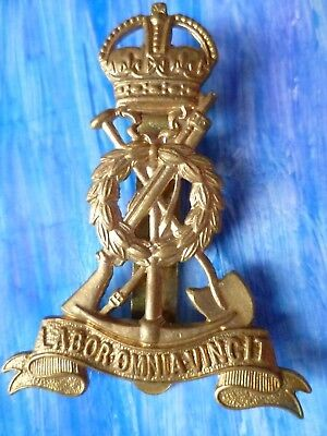 Badge VINTAGE Royal Pioneer Corps Labor Omnia Vincit Cap Badge KC Brass Org