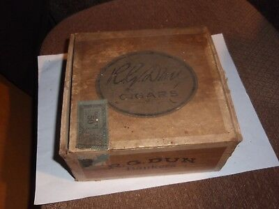 R.G. Dun Bankers Cigar Box