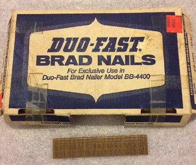 "3/4"" Inch Duo-Fast Brad Nails (about 9,000) Straight Strip B-4424 -10-M Open Box"
