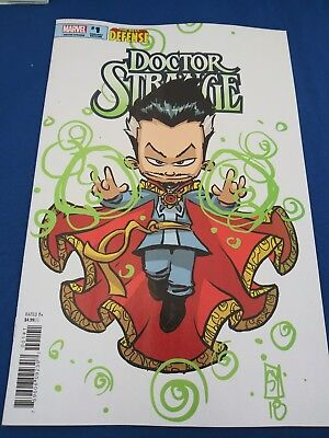 👍defenders Dr.strange Issue #1 Variant Cover Skottie Young Variant Cover👍