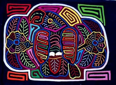 Kuna Indian Art. Hand Stitch. PARROT ON FLOWERS -483. Mola Art of Panama.