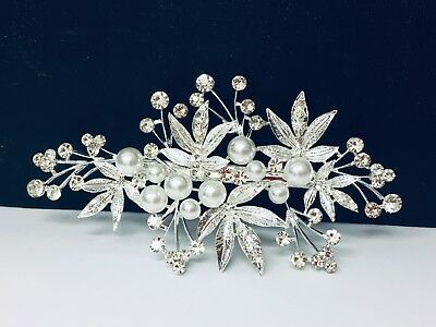 Beautiful Wedding Party Hair Clip in Silver Colour with Pearls and Rhinestones