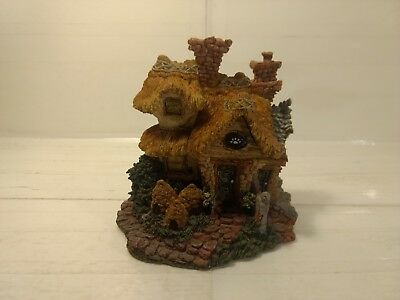 2000 Boyds Bearly Built Town Village #2 Bailey's Cozy Cottage Figurine hd828