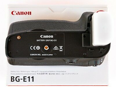 GENUINE Canon BG-E11 Battery Grip for 5D Mark 3 or 5Ds cameras - FREE POSTAGE