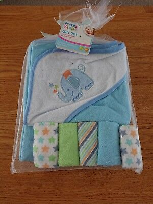 Baby Bath Gift Set - hooded towel and wash clothes brand new with tags