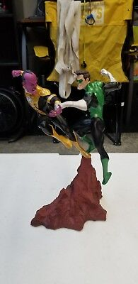 Green Lantern Vs Sinestro Statue dc domics collectibles