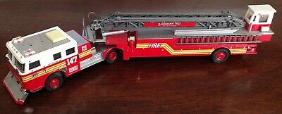 Code 3 FDNY Aerial Ladder #147 Seagrave