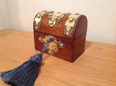 Stunning Burr Walnut Brass Bound Dome Top Ladies Perfume Bottle Box