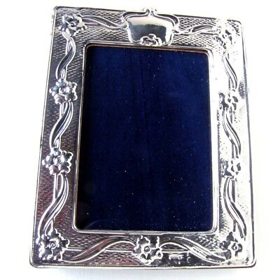 """ANTIQUE STYLE SILVER PICTURE FRAME. HALLMARKED SILVER PHOTO FRAME. 5"""" x 4"""""""