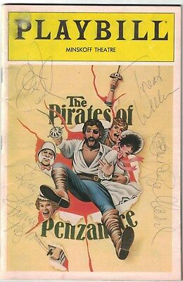The Pirates Of Penzance Cast Signed Autographed Playbill Magazine Jan. 1982