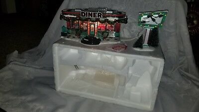 Department 56 Snow Village SHELLY'S DINER Set of 2 55008 Retired Shellys