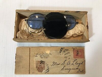 Interesting Antique Wooden Shipped Eye Glass Box w 2 Pair Eyeglasses Early 1900s