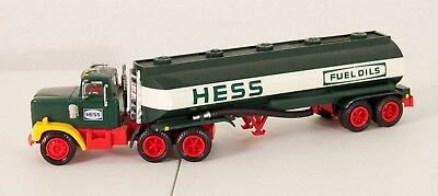 Hess 1984 Fuel Oil Tanker Truck Bank Electronic Lights Toy Truck Collectible Wob