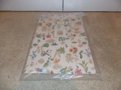 * LONGABERGER * Set of 2 Placemats (BOTANICAL FIELDS - ITEM # 2036035) Brand New