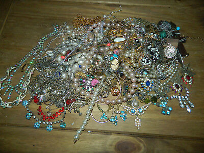Huge lot amount of vintage and antique jewellery for harvest repairs crafts etc