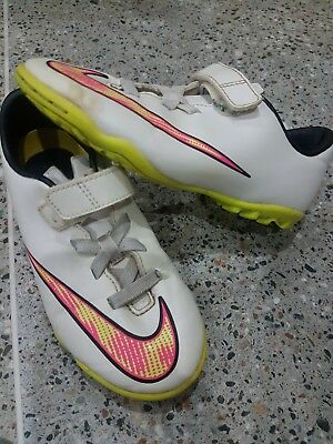 Girls Nike Size 12 astroturf Football Boots
