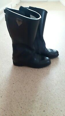 Ladies Size 5 leather Motorbike Boots Good condition. Only worn a few times