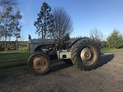 1952 Grey Ferguson TEF 20 Tractor Diesel with cab and lifting arms