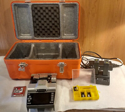 Ilsintech Swift F1 Fusion Splicer, 250 and 900 Micron Holders, and Accessories