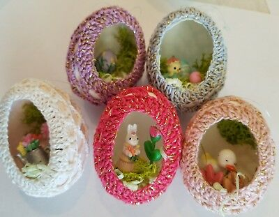 VINTAGE REAL EGGS HAND MADE CROCHET EASTER EGG DIORAMA ORNAMENT BUNNY  LOT of 5