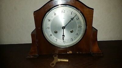Bentima, Chimes Mantle. Clock, whit pendulum , Working Order.