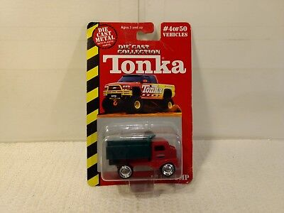 Maisto Tonka Red & Green 1949 Dump Truck 1:64 Scale Diecast mb1128