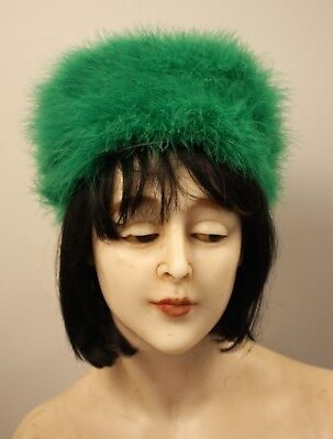 GREEN FEATHER ORIGINAL VINTAGE1960s  WOMENS HAT. POST DETAILS ON APPLICATION.