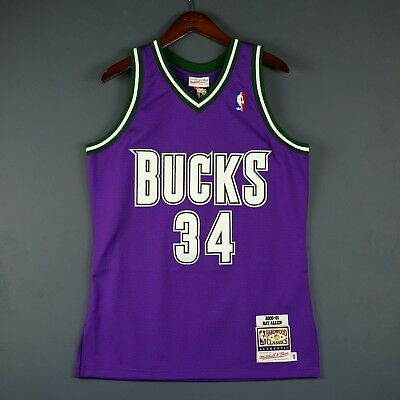 100% Authentic Ray Allen Mitchell   Ness 00 01 Bucks NBA Jersey Size 40 M 5f8a7ee71