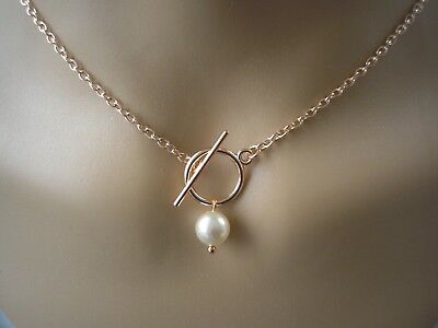 Front fastening t-bar toggle necklace Pearl drop on Rose Gold plated chain 41SWT