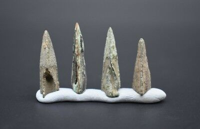 Group of 4 Celtic bronze tri-lobate hunting arrow heads C. 1st millennium BC