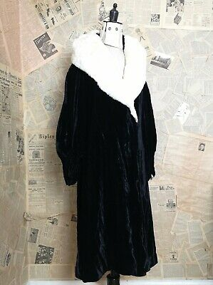 Vintage 1920's silk velvet Opera robe, opera coat, Slattery and Co