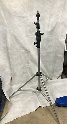 Professional Manfrotto Distributed by Bogen Light stand w/boom