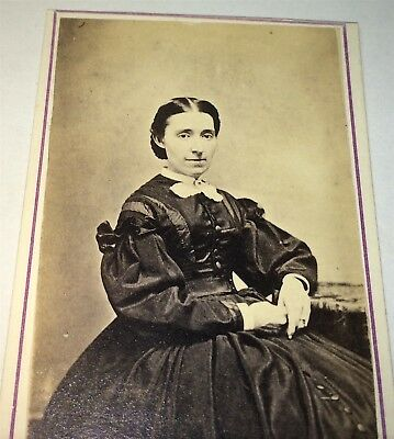 Antique Victorian American Lady, Beautiful Fashion! New Haven, CT CDV Photo! US!