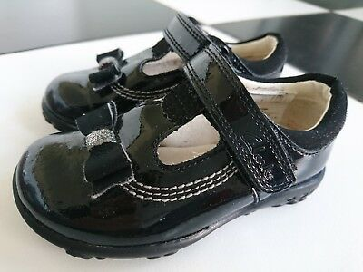 1b045387232 Clark s girl Ella Ruby first flashing shoes size UK 4 F infant excellent.