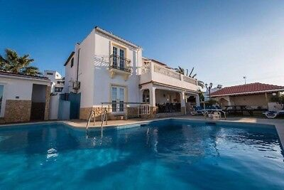 Holiday villa  Algarve Albufeira Portugal, sleeps up to 18, private pool