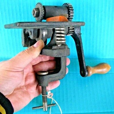 Vintage HP 3 Pinking Machine Cast Iron Hand Crank Leather Fabric Metal:  1 of 2