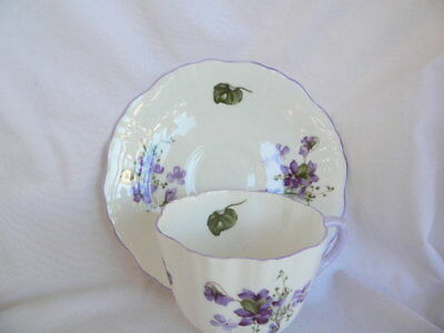 Hammersley Victorian Violets Cup & Saucer Made in England Fluted Purple handle