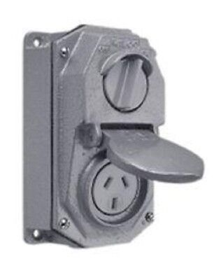 Wilco SWITCHED SOCKET OUTLET WILSP73A/10 3-Pin 10A 250V Cast Iron