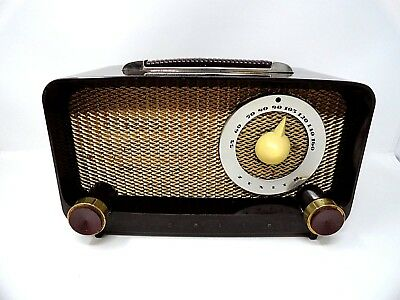 1950's tube radio - ZENITH - Model G-511 - Bakelite - in Original Box