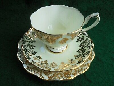 ROYAL ALBERT CROWN CHINA TRIO GOLDEN PANSY TEA CUP SAUCER PLATE c1930 LIKE NEW