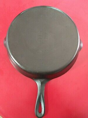 Vintage Griswold No. 10 Cast Iron Skillet, No. 716 Small Logo clean and seasoned