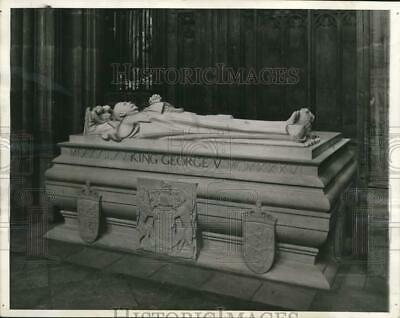 1939 Press Photo King George V's sarcophagus at St. George's Chapel, England